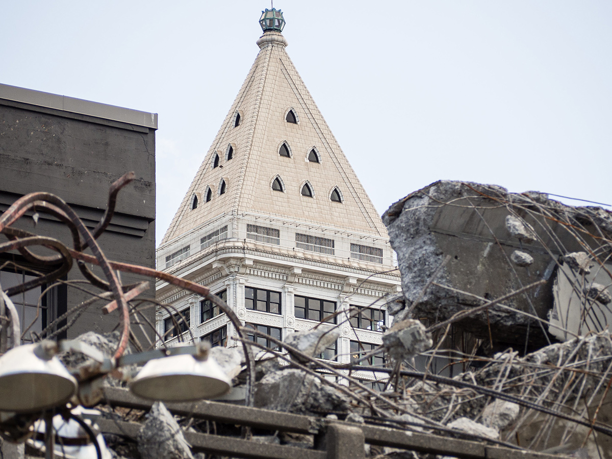 Photograph of the Smith Tower during viaduct demolition